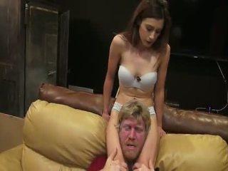 Nikki επόμενος όλα αμερικάνικο scissors