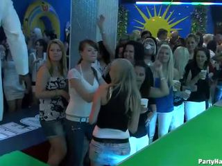 Yong الفتيات مارس الجنس شاق بعد dance