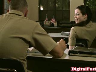 Aprótermetű katonai picsa stoya iroda demands orális -től privát