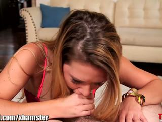Abby oversteken throated
