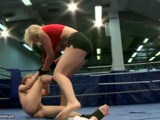lesbischen sex, catfight, lesben wrestling