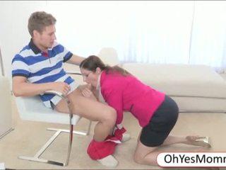 bruneta, realita, skupinový sex