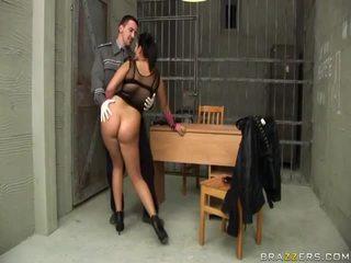 Jasmine đen gives blowjob đến cảnh sát và gets ass fucked lược