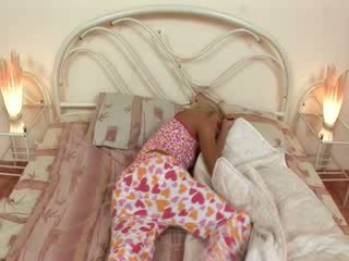 Blondie jerkingoff nuo prieš a miegas