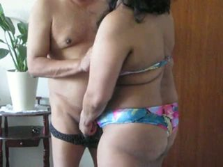 Indiana milf aunty plays com dela gorda tetas