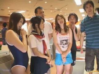 Japanska av modell bröstvårtor sucked