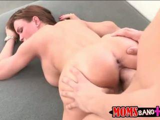 Матуся abby перетинати секс утрьох з її stepson