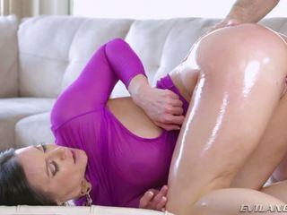 Gorgeous Kendra Lust Gets Some Deep Pounding Gonzo Action