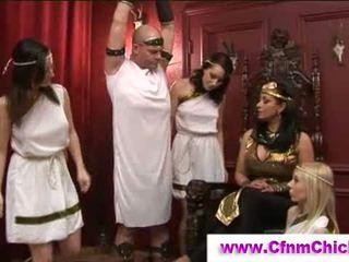 Cfnm graikiškas queens smaukymasis guy