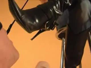 fetiș picior, femdom