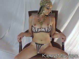 Masturbating babe