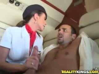 Гаряча flight attendents ariella ferrera і aimee addison дати в flight мінет