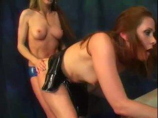 Alexandra حرير و لها حار الحمار صديق استمتع ل قطعة من strap في كوك عمل