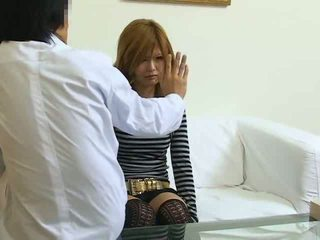 Hypnotisert japansk jente knullet