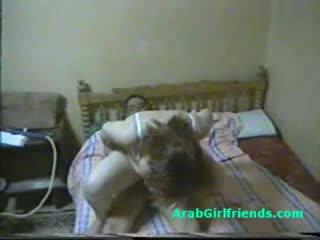 Obesety bips egyptisch hoer fucks door boyfriend