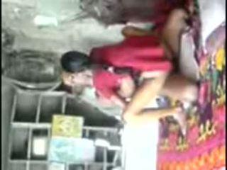 Obec unsatisfied dievča trying skúsené kokot