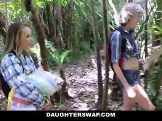 Daughterswap- arrapato daughters cazzo papà su camping viaggio <span class=duration>- 10 min</span>