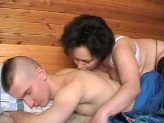 醉 俄 母親 seduces 該 youth