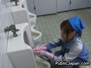 Public asiatic muie