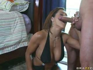 Sizzling Chick Francesca Le Stuffs Her Mouth With A Tsaluteck Shaft And EnpLeasures It