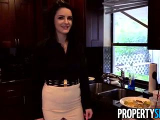 Propertysex - careless real estate agent fucks jefa a mantener su trabajo