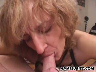Amatőr anya gives leszopás -val gecilövés -ban száj