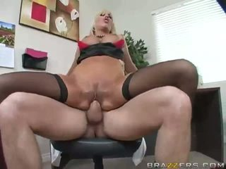 Free Videos Of Young College Girls Getting Fucked Hard Blondes