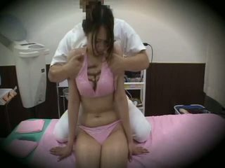 Spycam reluctant момиче масаж секс 1