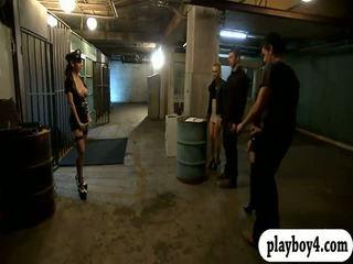 Two lusty femei in 4 în puscarie celulă în timp ce the wardens watched