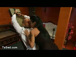 Tranny wax tied up taxi driver and sucks his dick