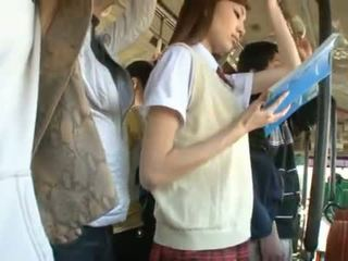 Kaori maeda has שלה חם פות pie fingered ב a ציבורי אוטובוס