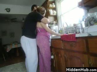 Gemuk pasangan having seks dalam yang dapur