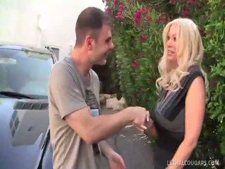 Terakhir wanita dengan pria lebih muda ratu isabella rossa takes kacau!