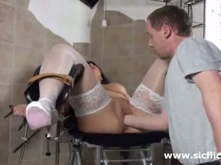 Blond betje eje fist fucked by her doktor