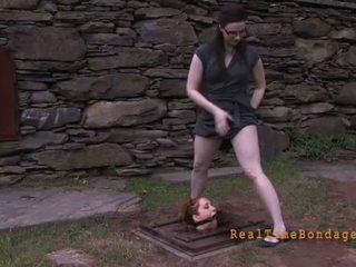 Hung فوق فتاة غير يعاقب