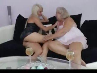 012: bezmaksas lesbiete & vecs & jauns porno video 83