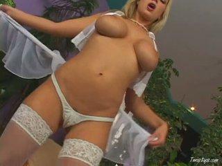 Breasty carol goldnerova rubbing ji muca wearing vroče nylons