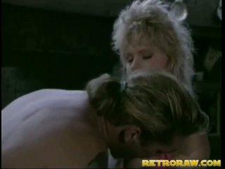 Retro blondinke gets izkušene velika