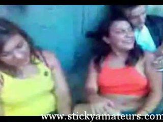 Greke adoleshent lesbians në një scool