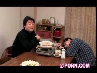 домогосподарка, матуся, азіатський