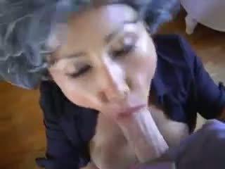 Mature asiatique jeune pervert
