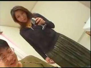 Japanilainen äiti teaches poika english