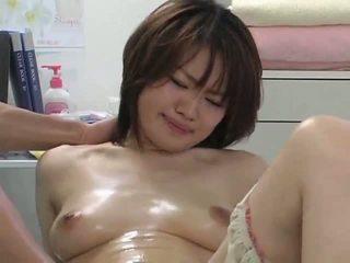 Surprising orgazëm gjatë masazh pjesë 2