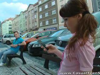 I eksituar ruse adoleshent fucked i vështirë në shtëpi