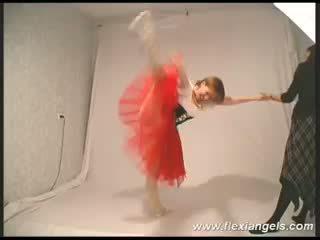 Молодий балерина katja