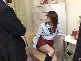 Kuliste tugjob rino mizusawa kısa saç darbe asyalı kız öğrenci