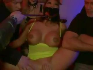Anala punishment för bystiga slampa, fria slav porr video- 84