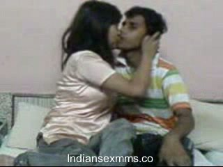 هندي lovers المتشددين جنس scandal في النوم غرفة leaked