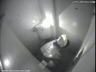 Masturbation живот тоалетна стая