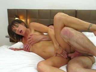 成熟した 妻 浮気 とともに 若い ボーイ で ホテル: フリー ポルノの 88
